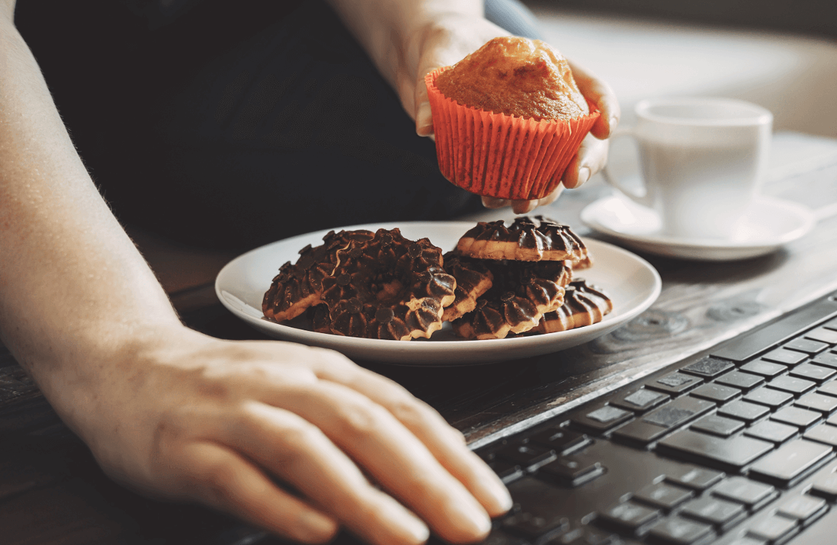 5 Ways to Resist Overeating When Working From Home